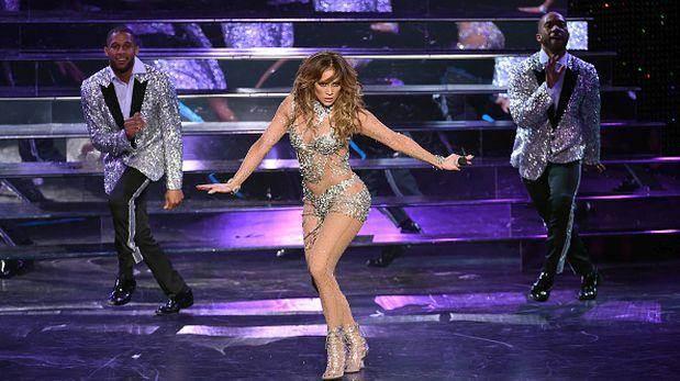 A Jennifer López se le rompe el pantalon durante un show en Las Vegas 2016