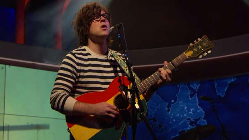 Ryan Adams tocando covers de Taylor Swif The Daily Show