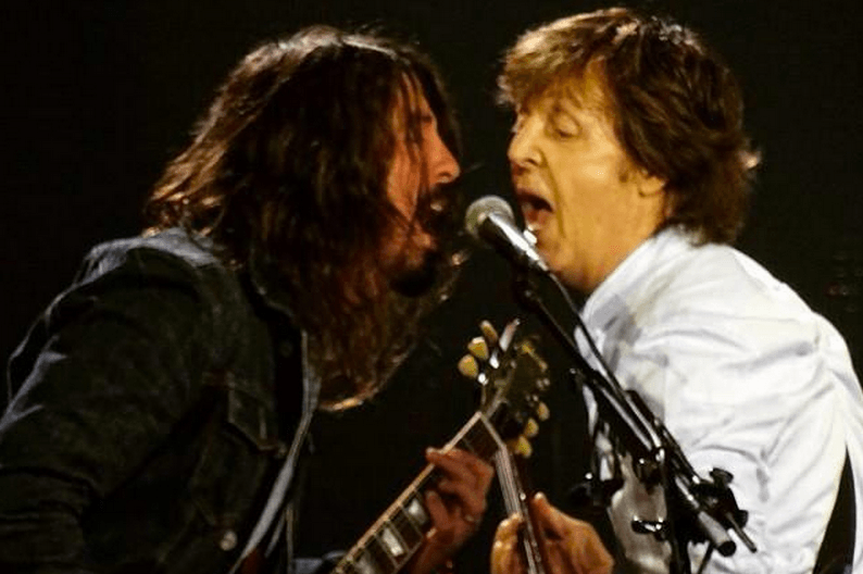 dave grohl and paul mccartney en reino unido 2015