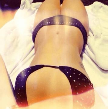 demi lovato selfie sexy