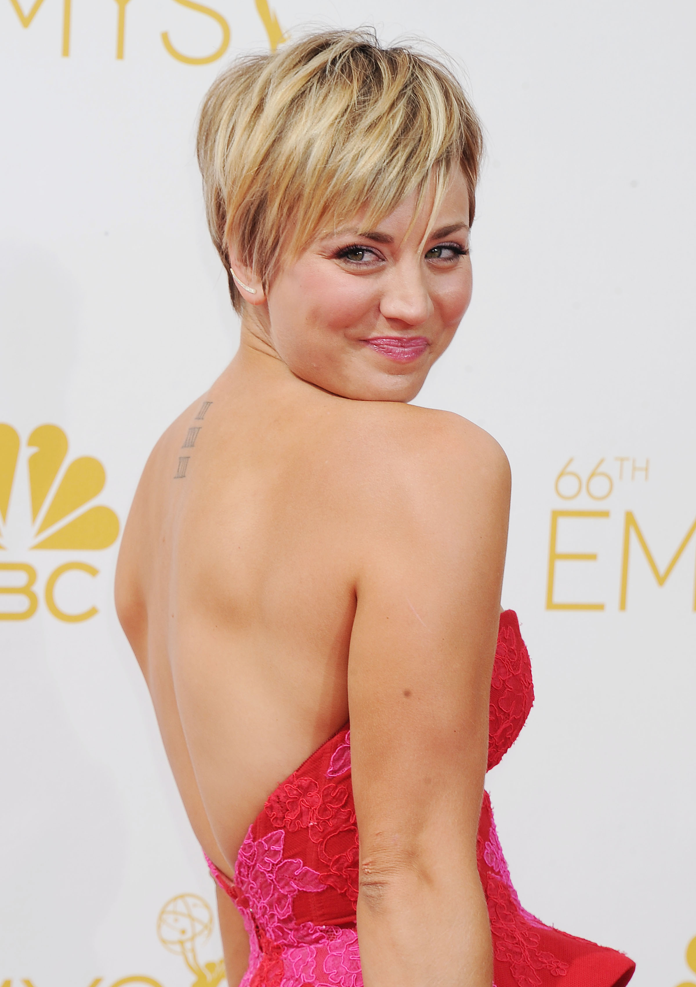 fotos de kaley cuoco wall paper