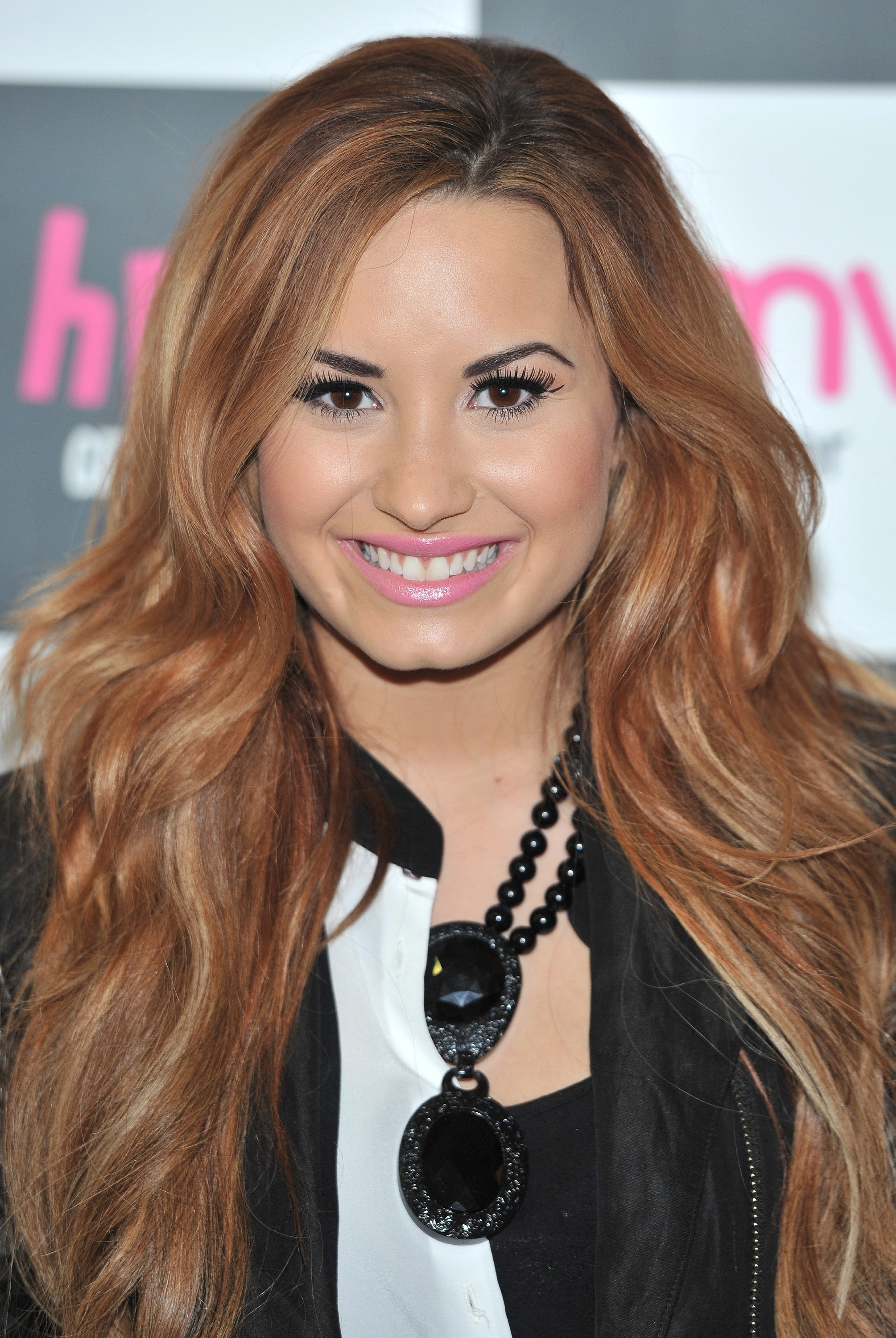 demi lovato uk 030412