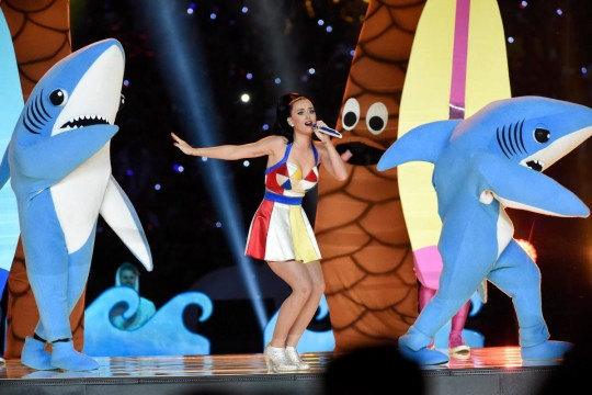 katy-perry-performs-super-bowl-halftime (4)
