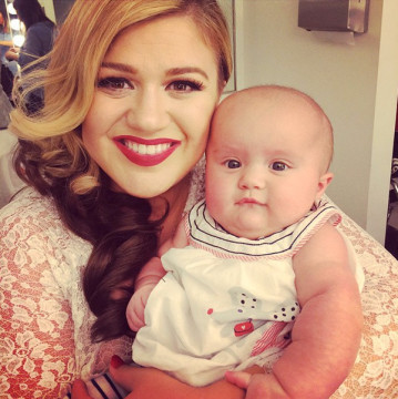 kelly clarkson nueva cancion heartbeat song nuevo video