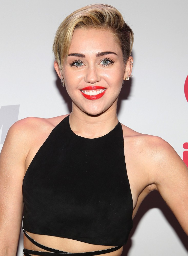 Miley Ray Cyrus nudes (86 images) Paparazzi, 2019, braless