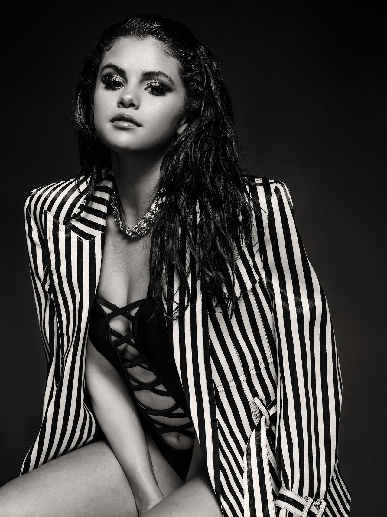 selena gomez photos wallpapers