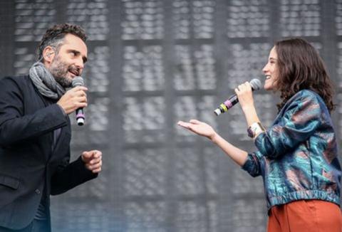 ximena sariñana vive latino 2015 canción Normal al músico uruguayo ganador del Oscar