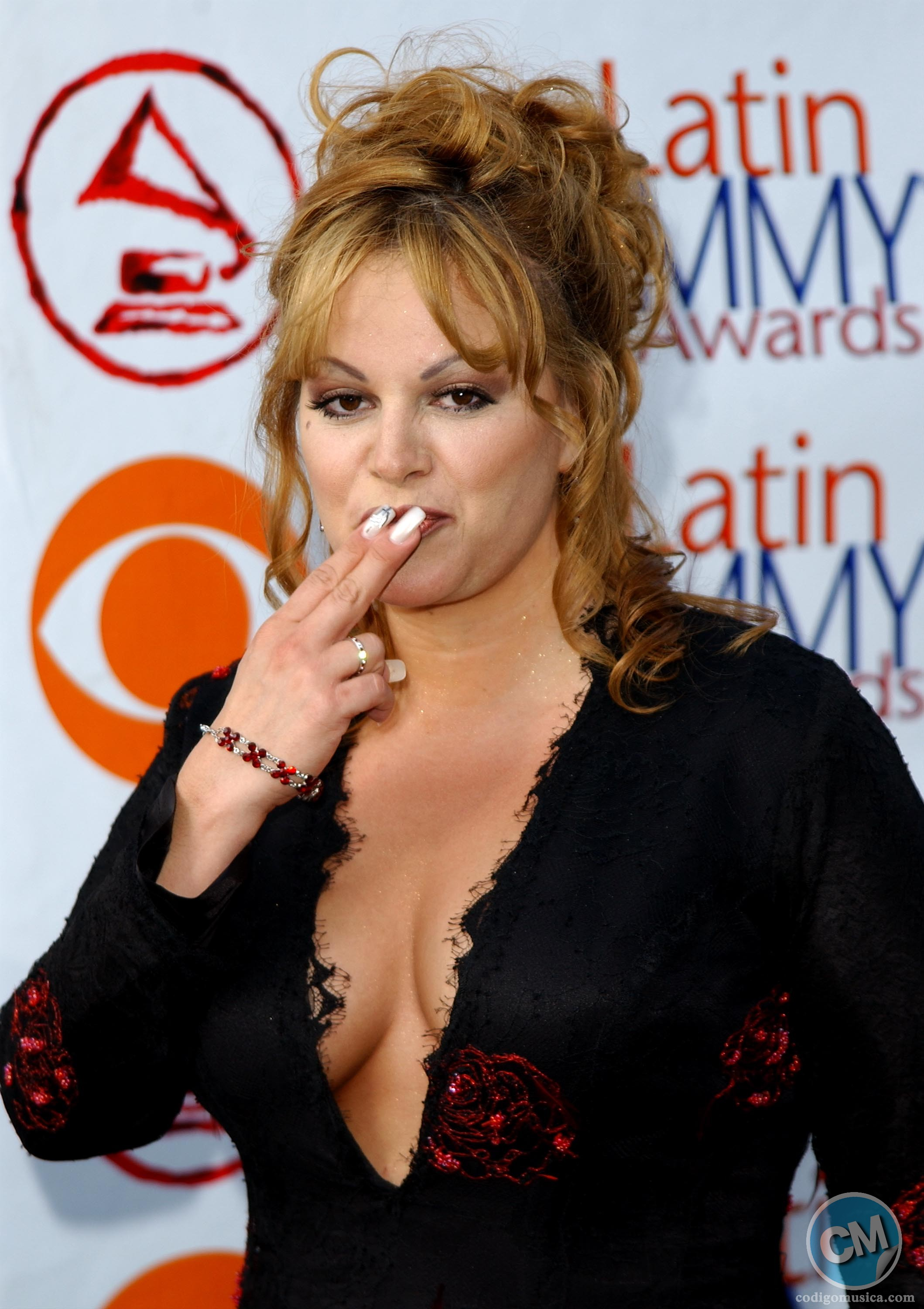 HOLLYWOOD - SEPTEMBER 18:  Singer Jenni Rivera attends the 3rd Annual Latin Grammy Awards at the Kodak Theatre on September 18, 2002 in Hollywood, California.  (Photo by Robert Mora/Getty Images)