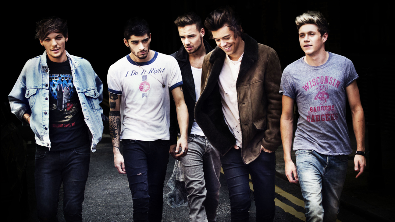 """THE X FACTOR: The world's biggest boy band, One Direction, returns to THE X FACTOR stage for the world debut performance of their single, """"Story of My Life""""  Thurdsay, Nov. 21 (800-9:00 PM ET/PT) on FOX."""