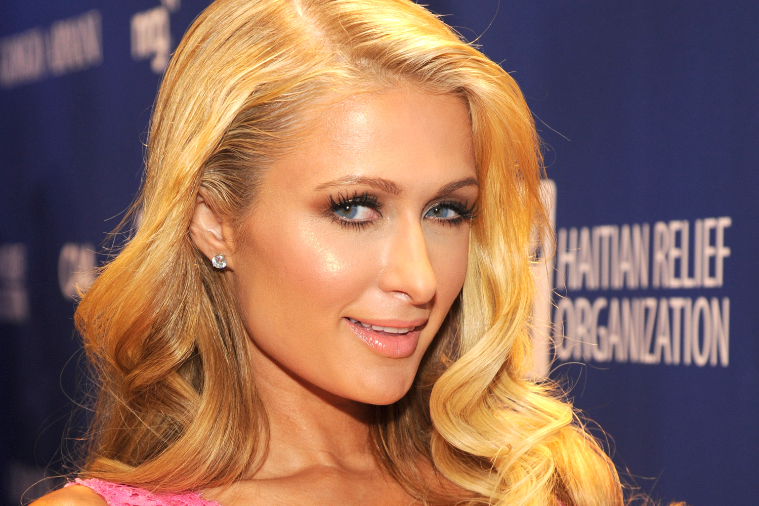 BEVERLY HILLS, CA - JANUARY 11:  Paris Hilton attends The 3rd annual Sean Penn & Friends HELP HAITI HOME Gala benefiting J/P HRO presented by Giorgio Armani at Montage Beverly Hills on January 11, 2014 in Beverly Hills, California.  (Photo by Kevin Mazur/Getty Images for J/P Haitian Relief Organization)